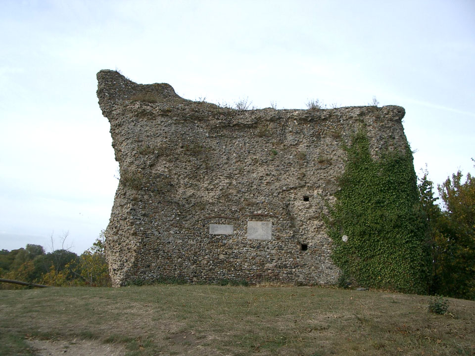 Remains of the keep photo Charles Taylor