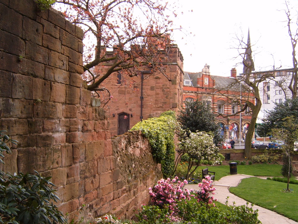 Swansell Gate and city wall photo Andrew Tivenan